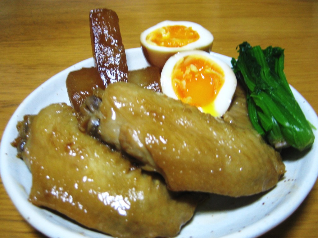 Japanese food, simmered chicken wing